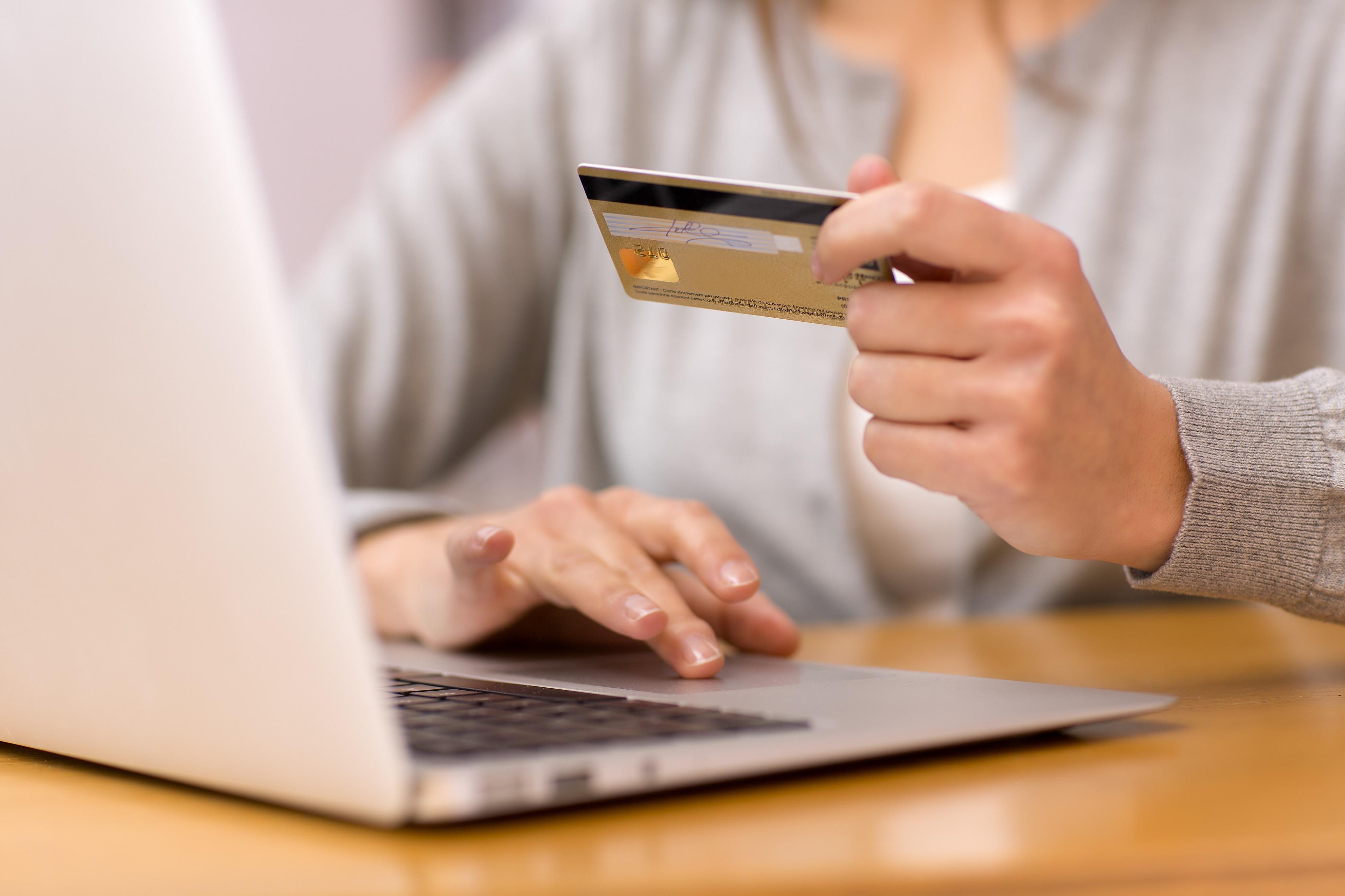 'Amper prijsverschil tussen fysiek en online'